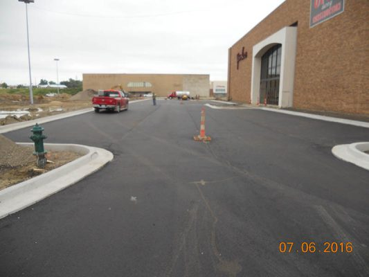 2016-07-06-younkers-west-drive-aisle-paving-2