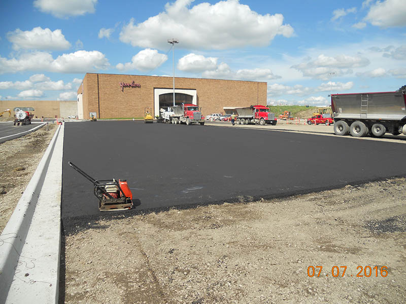 2016-07-07-younkers-south-parking-lot-paving-3