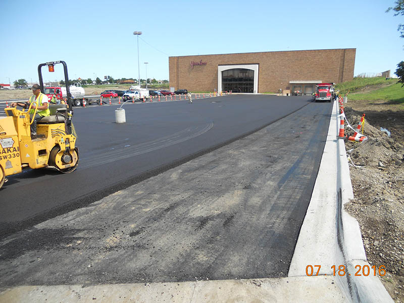 2016-07-18-younkers-south-parking-lot-paving-1